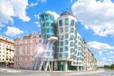 Casa-danzante-praga-Gehry-Milunic