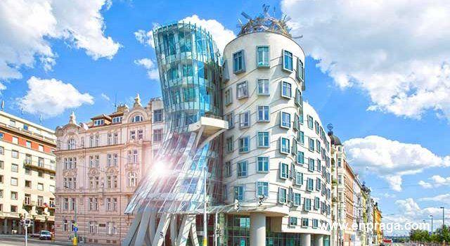 Visita la Casa Danzante de Frank Gehry En Praga